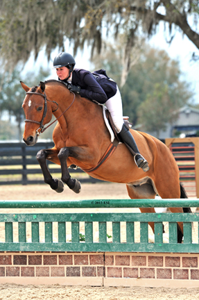 ©ESI Photography Hunter Holloway and Bellini kicked Diamond Mills $500,000 Hunter Prix Final qualifying into high gear this weekend with a win in the $5,000 Devoucoux Hunter Prix at HITS Ocala.