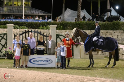 McLain Ward and Zander in their winning presentation with Equestrian Sport Productions' President Michael Stone, Jeannie and Tom Tisbo of Suncast, ringmaster Cliff Haines, and friends. Photo © Sportfot.