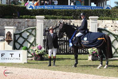 McLain Ward and Super Trooper de Ness in their winning presentation with ringmaster Cliff Haines.  Photo © Sportfot.