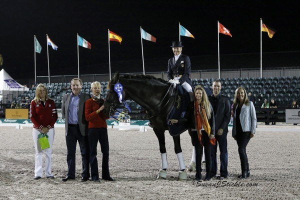 Tina Konyot and Calecto V with Ashley Holzer, Judge Anne Gribbons, and Dr. Diane Fellows (far right), along with Ciaran Herr, Kelly Nicolls, and Lorraine MacGuinness representing Horseware Ireland. Photo © SusanJStickle.com