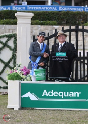 Daniel Bluman in his winning presentation with ringmaster Cliff Haines. Photo © Sportfot.