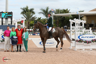 Richie Moloney and Slieveanorra in their winning presentation with Tom and Jeannie Tisbo and Diana Mercer for Suncast and ringmaster Cliff Haines.  Photo © Sportfot.