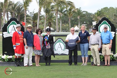 Chloe Reid in her winning presentation with ringmaster Cliff Haines, Michael Stone, Carlene Ziegler of Artisan Farms, Bruno delGrange and Sandy Spicer of Bruno delGrange Saddles, Tim Dutta, and Guido Klatte.  Photo © Sportfot.