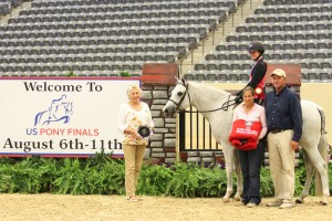 Olivia Woodson and Butterfly Kisses Win 2013 USEF Pony Medal Finals