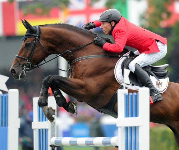 Hans Dieter Dreher and Colore. Photo © Spruce Meadows Media Services.
