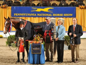 Toon and INVINCIBLE also won their third Amateur-Owner Hunter 36 & Over Championship, while Nancy Hooker and CASTLEWALK, owned by Richard Prant, were Reserve Champions.