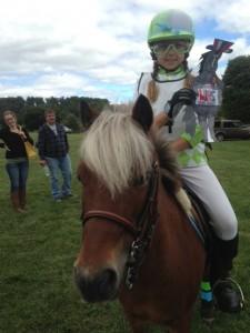 Pony-Racing-1