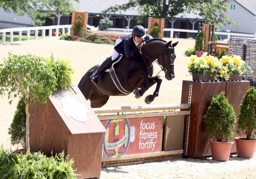 Photo Credit: Shawn Casady Takes Home $10,000 Hallway Feeds Leading Professional Rider Award for 2013 USHJA National Hunter Derby Series. Photo By: Emily Riden/PMG. Photo may only be used in relation to this PMG press release.