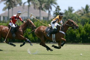 Carlos Gracida Jr. of Palm Beach Polo races towards goal with Justin Daniels of Pony Express defending. Photo by Scott Fisher