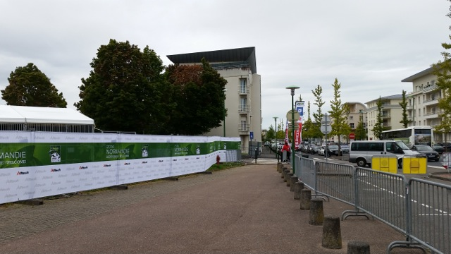 Stabling area at main arena (D'Ornano) is the white tents at left. It is about 20 feet from the sidewalk in the center of the city of Caen. You can hear horses whinneying from the sidewalk cafes & bistros.