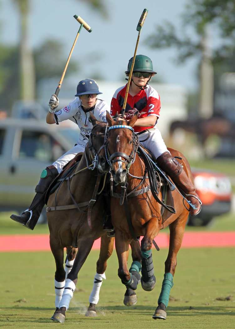 Santos Bollini of Grand Champions in pursuit of Lucas Arellano of Pony Express.