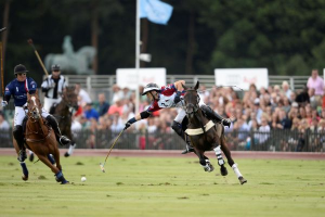 Team USA's Marc Ganzi of Wellington chases down England's Mark Tomlinson reaching for possession of the ball. Photos courtesy of Audi International
