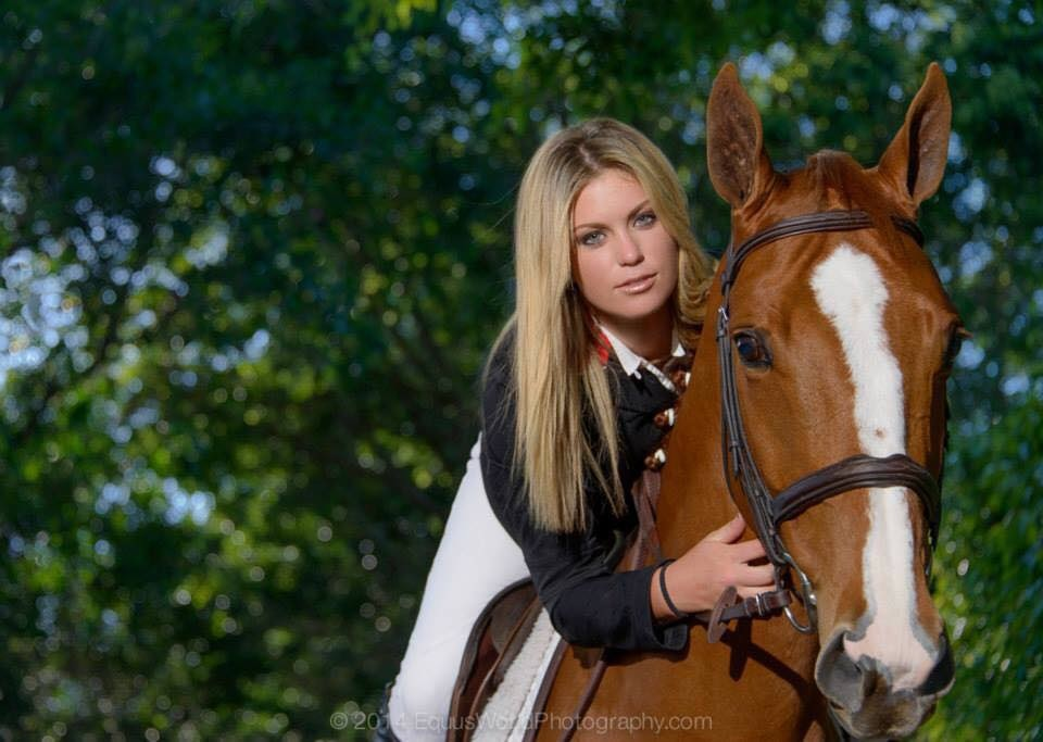Brittni enjoys a moment with Flipper D'or. (Photo by Enrique Urdaneta, Equus World Photography)