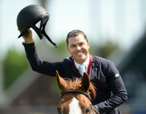 Kent Farrington shows off his Samshield helmet.