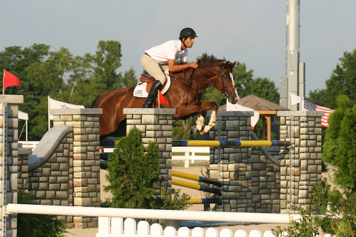 HJ Santa and Antonio competing in Kentucky. Photo by Shawn McMillen Photography