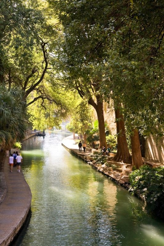The River Walk is a 30-mile loop of scenic walkways. Photo courtesy of VisitSanAntonio.com