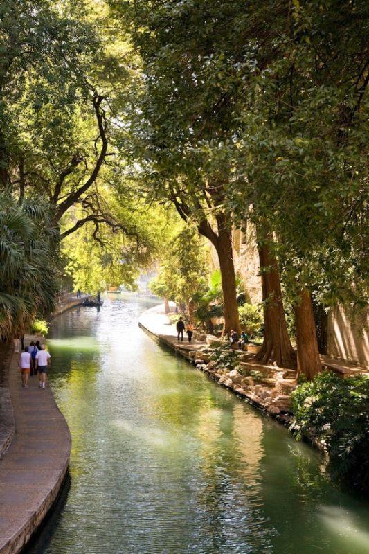 The River Walk is a 30-mile loop of scenic walkways. Photo courtesy of VisitSanAntonio.com